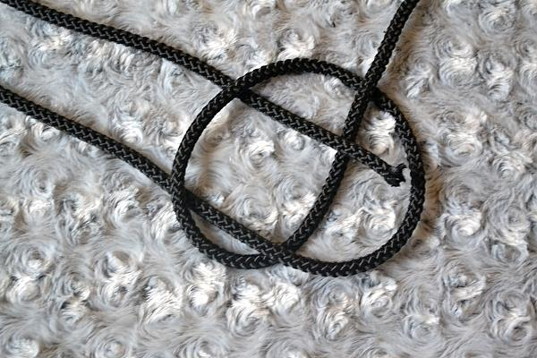 Náhrdelník z lana alebo šnúry III. čierny 6