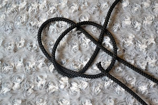 Náhrdelník z lana alebo šnúry III. čierny 8