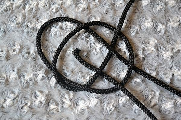 Náhrdelník z lana alebo šnúry III. čierny 9