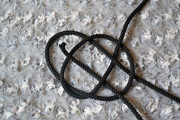 Náhrdelník z lana alebo šnúry III. čierny 10