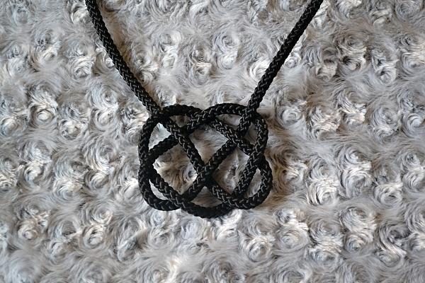 Náhrdelník z lana alebo šnúry III. čierny 12