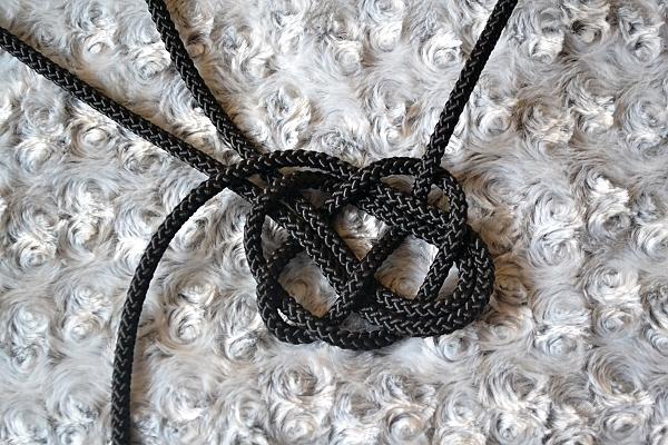 Náhrdelník z lana alebo šnúry III. čierny 13