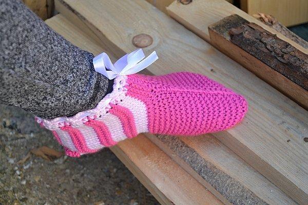 Postup na ružové papuče - ponožky 11