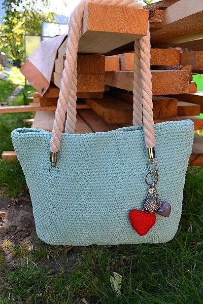 Háčkovaná taška  1