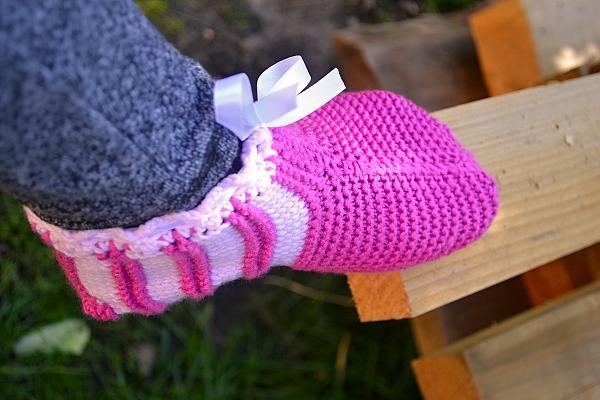 Postup na ružové papuče - ponožky 10