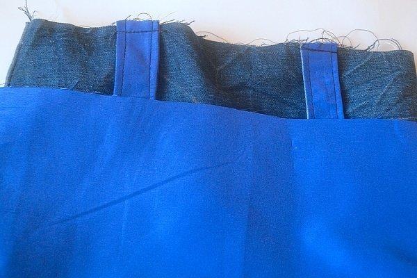 0987f7918 Vnútornú časť tašky prevrátime lícom dnu. Vložíme do nej vonkajšie časť  tašky tak, aby boli obe položené lícom na seba. Uši sú zastrčené vo vnútri,  ...