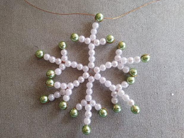 Ako vyrobiť korálkové hviezdičky III 17