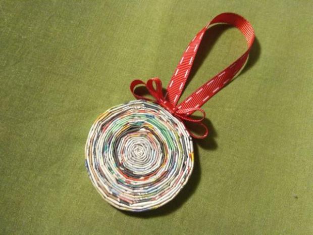 Vianočná ozdoba - pletenie z papiera pre úplných začiatočníkov 4