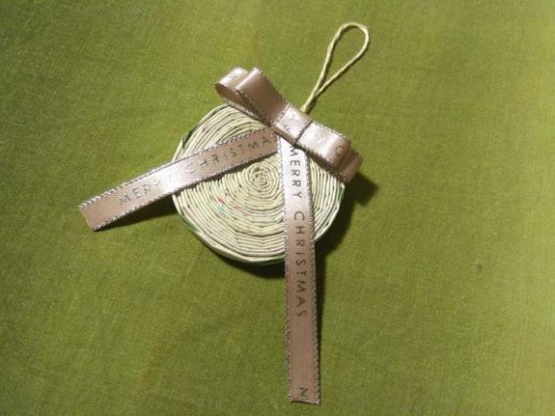 Vianočná ozdoba - pletenie z papiera pre úplných začiatočníkov 5