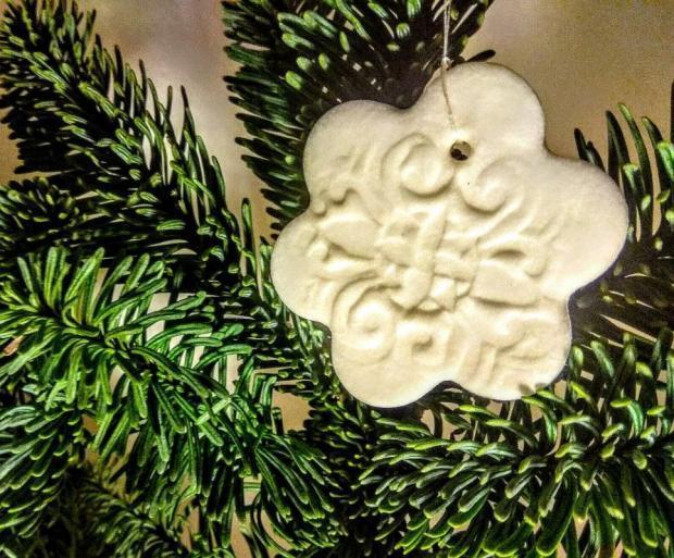 Postup na vianočné ozdoby na stromček zo studeného porcelánu 11