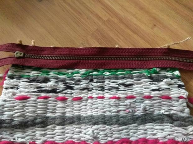 Tkaná listová taška zo starých tričiek s postupom na výrobu tkacieho rámu 7