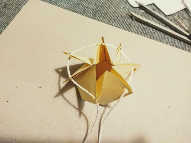 Malá papierová škatuľka na drobné darčeky 10