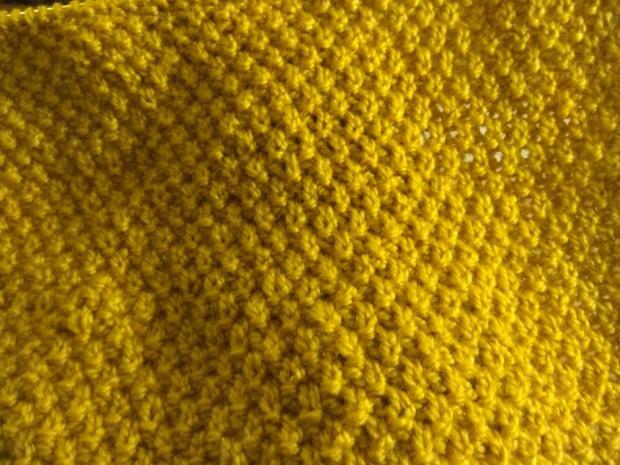 Okrúhly šál - pletený vzor hrášok 2