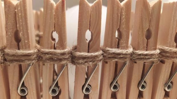 Tienidlo z drevených štipcov 5