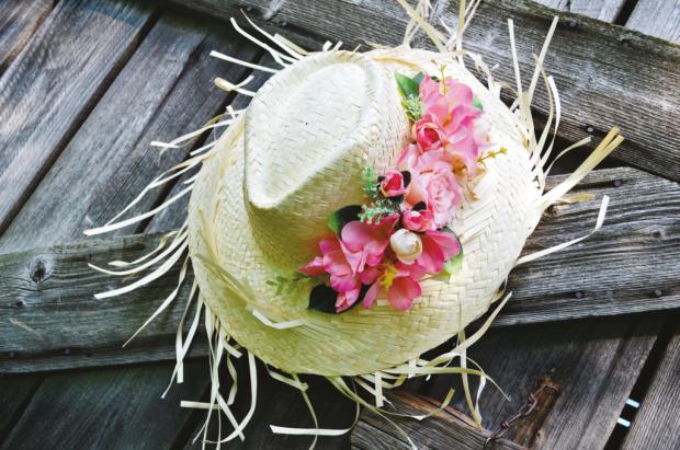 Ako ozdobiť slamenný klobúk, Autor: SURI