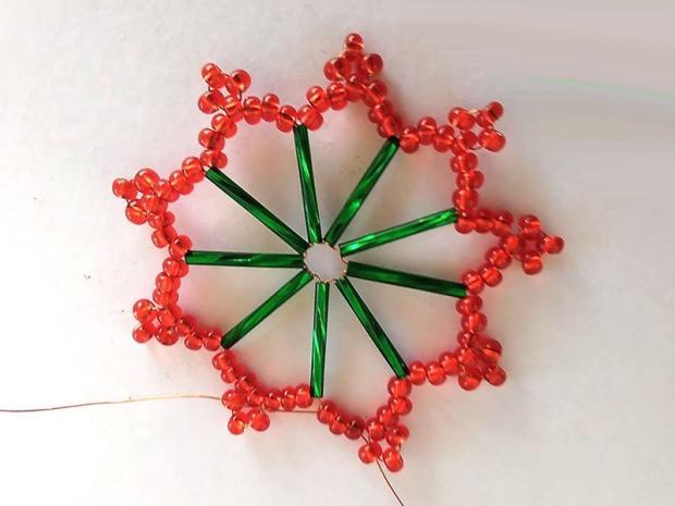 Ako vyrobiť korálkové hviezdičky II 10