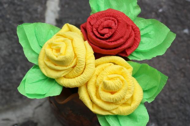 Postup na efektné ruže zo servítky