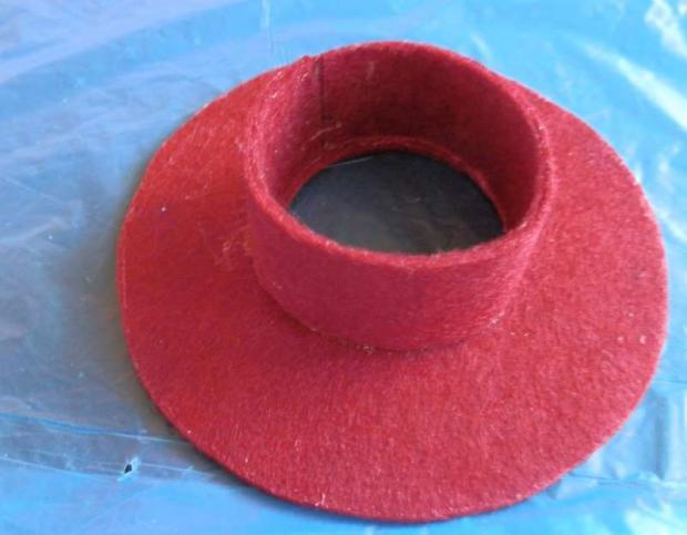 Ozdobné klobúčiky z filcu. 12