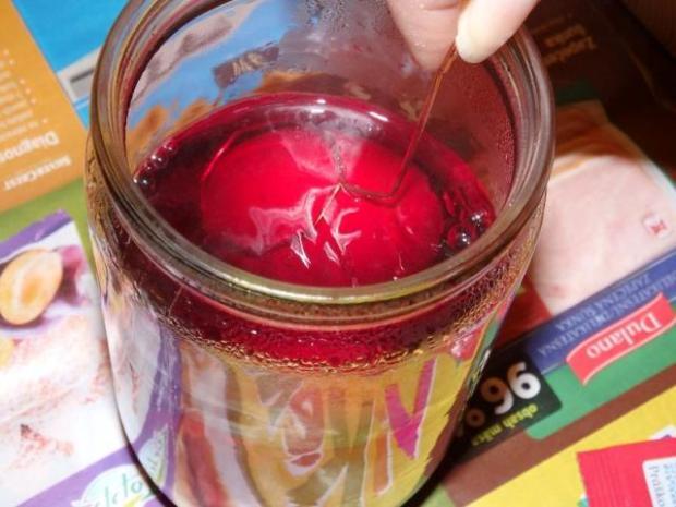Maľovanie vajíčok pomocou vosku 2
