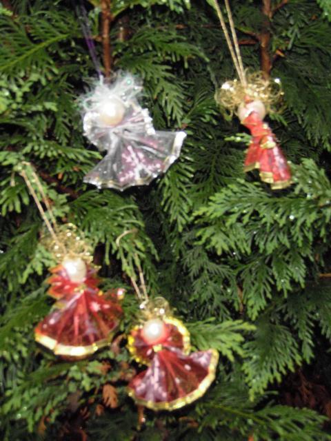 Anjelik z vianočnej stuhy s drôtom 1