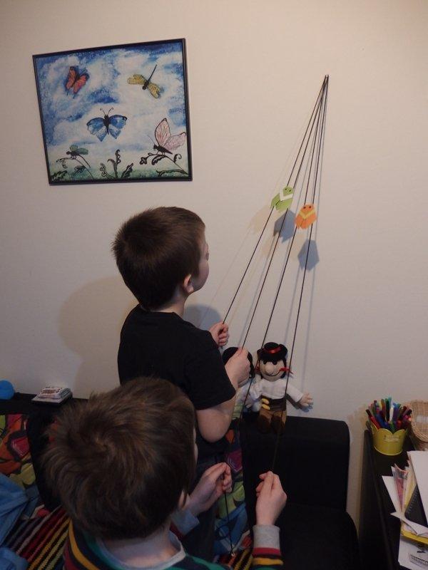 Pohyblivý papierový šváb - návod na hračku 13