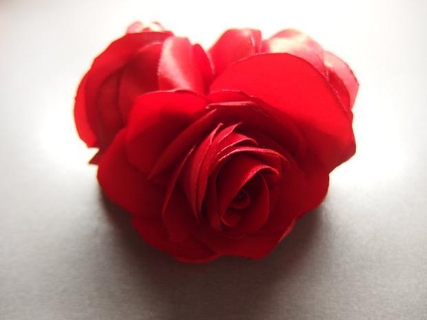 Španielska ruža- spona zo stuhy 8