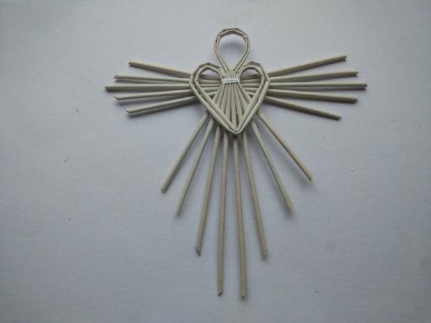 Anjel z papierových ruličiek 14
