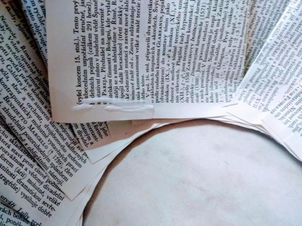 Papierový veniec zo starej knihy 5