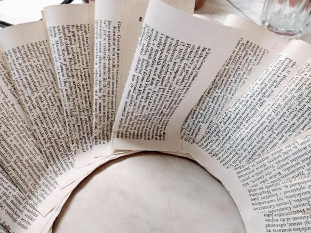Papierový veniec zo starej knihy 6
