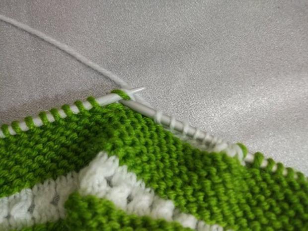 Návod na pletené  papučky pre bábätko 5