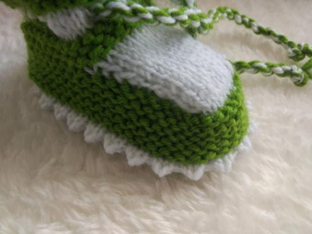 Návod na pletené  papučky pre bábätko 15