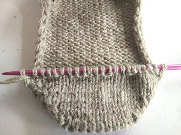 Ponožky pletené na dvoch ihliciach 12