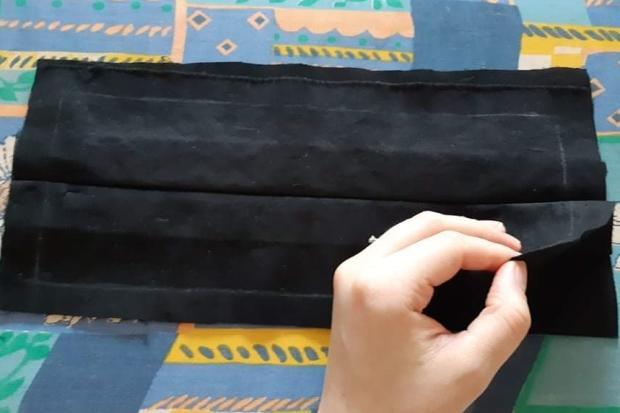 Ako vyrobiť štýlové rúško aj bez šijacieho stroja 11