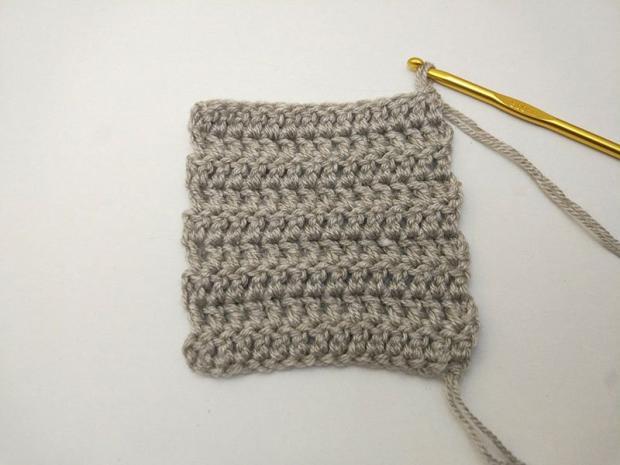Jednoduchý háčkovaný šál 1