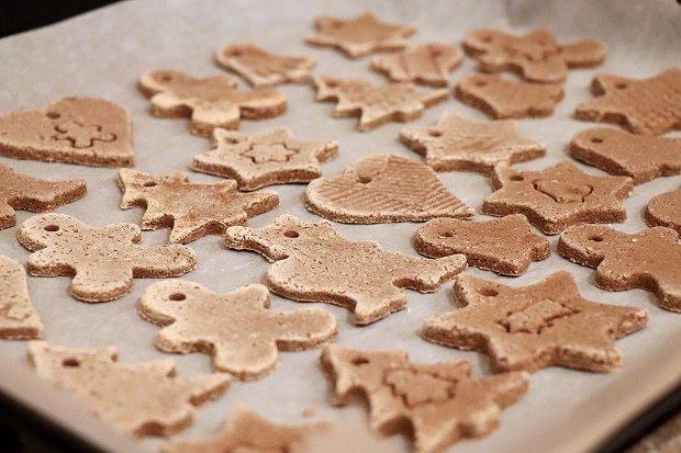 Postup na vianočné ozdoby zo škoricovo - slaného cesta bez pečenia 9