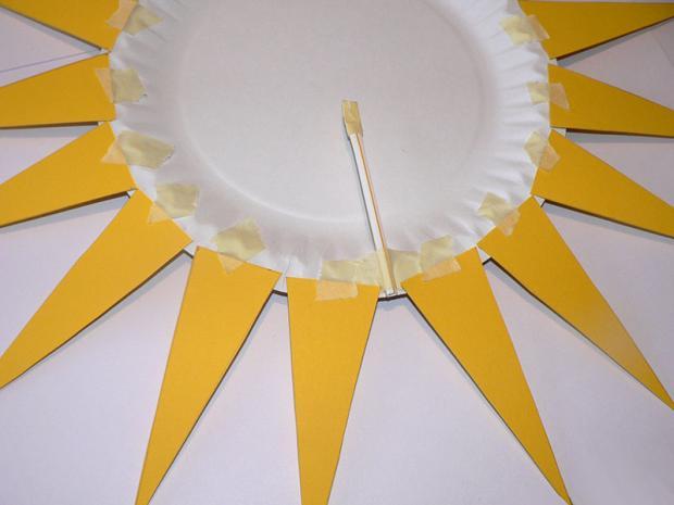 Slnko z papierového taniera 3