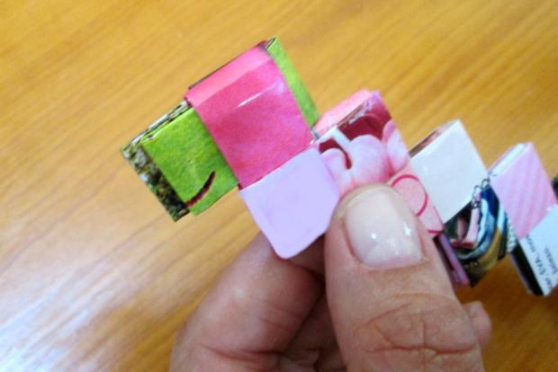 Fotopostup na spájanie dielikov na papierové kabelky 8