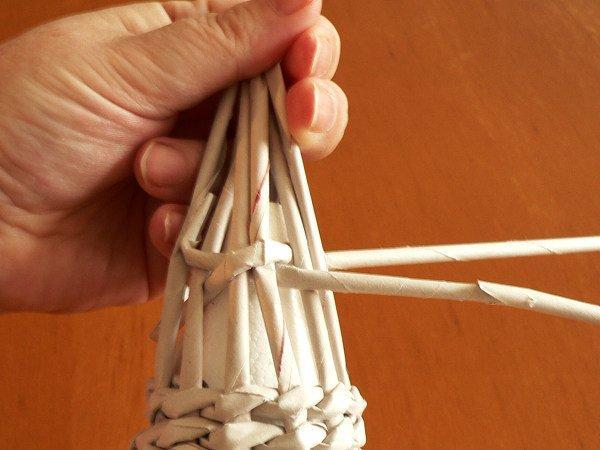Fotopostup na papierové pletenie - pletený stromček I. 7
