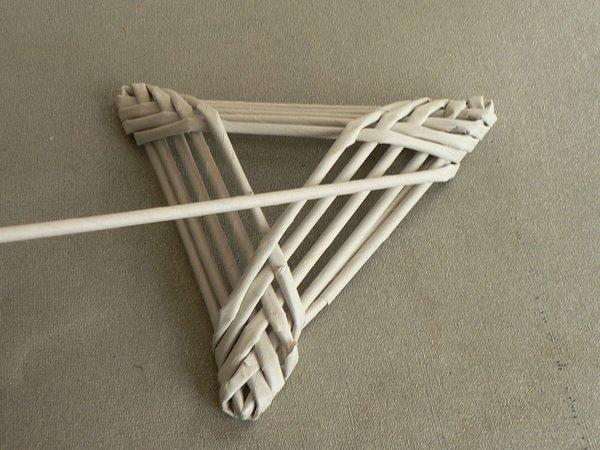Fotopostup na papierové pletenie - pletený stromček II. 6