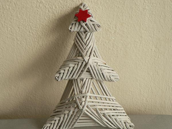 Fotopostup na papierové pletenie - pletený stromček II. 10
