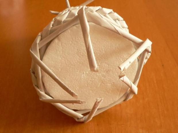 Fotopostup na papierové pletenie - pletený stromček III. 11
