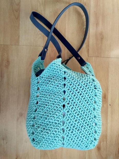 Háčkovaná taška so štvorcovým dnom