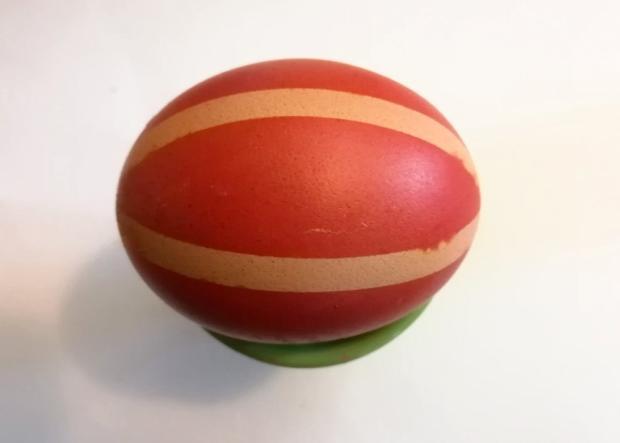 Postup na farbenie vajíčok s deťmi 7