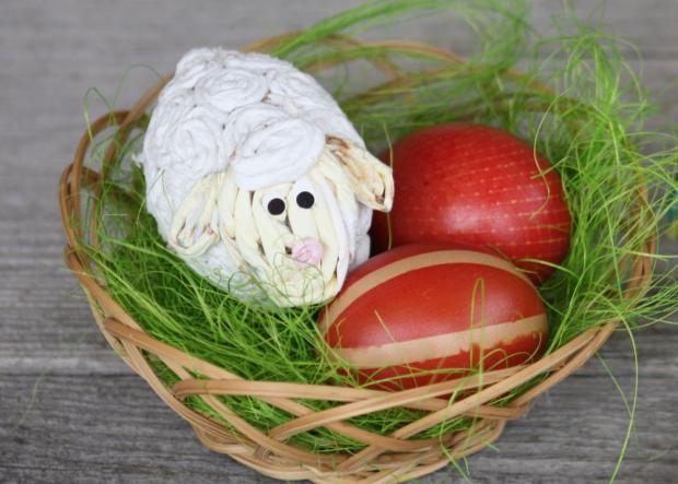 Postup na farbenie vajíčok s deťmi 1