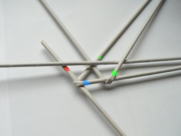 Fotopostup na papierové pletenie - pletený venček 5