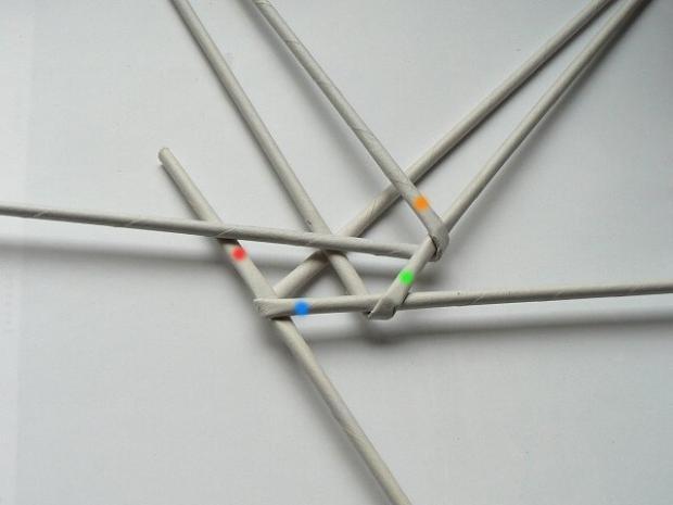 Fotopostup na papierové pletenie - pletený venček 6
