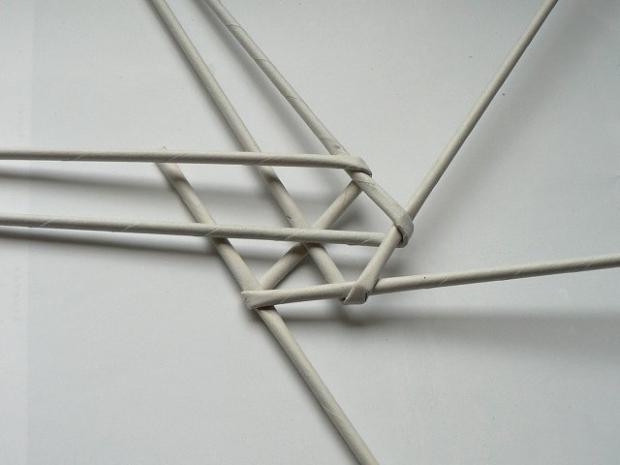 Fotopostup na papierové pletenie - pletený venček 7