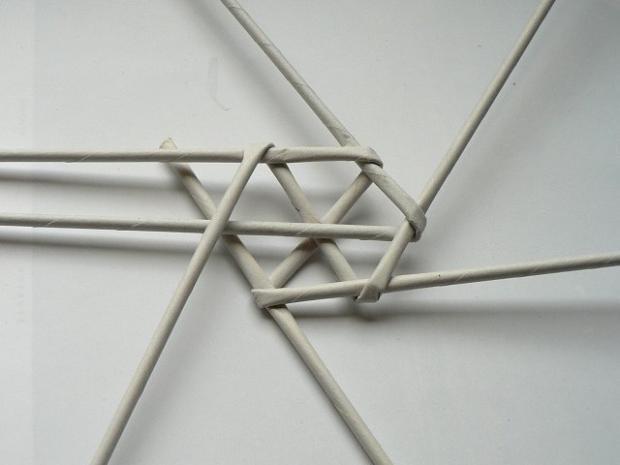 Fotopostup na papierové pletenie - pletený venček 8