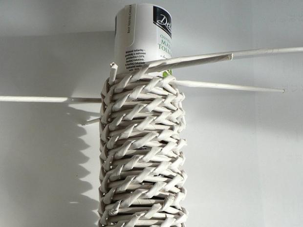 Fotopostup na papierové pletenie - pletený venček 11
