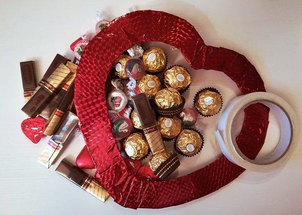 Postup na sladký valentínsky veniec 2